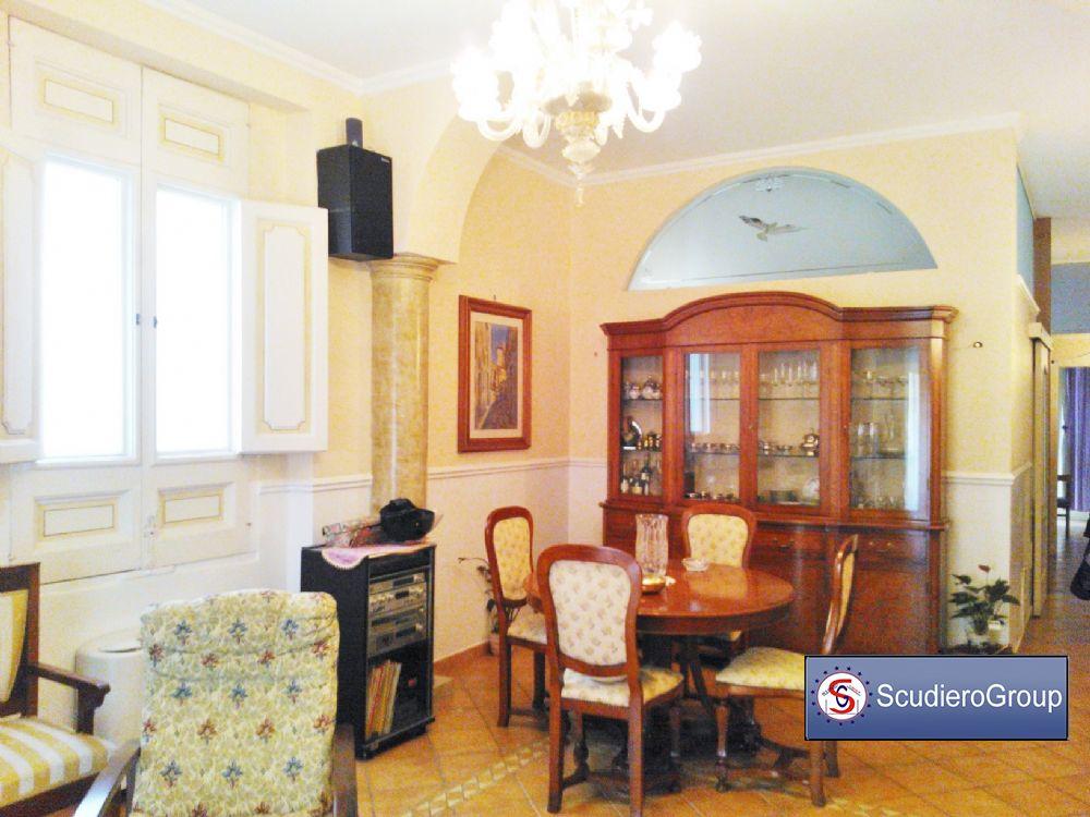 Scudierogroup agency propone in vendita salerno centro storico appartamento metri quadri 180 - Punto immobile salerno ...